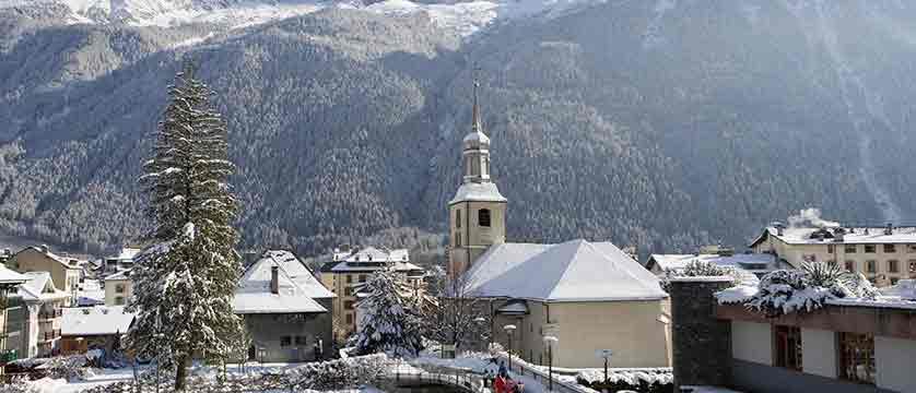 france_chamonix_village.jpg